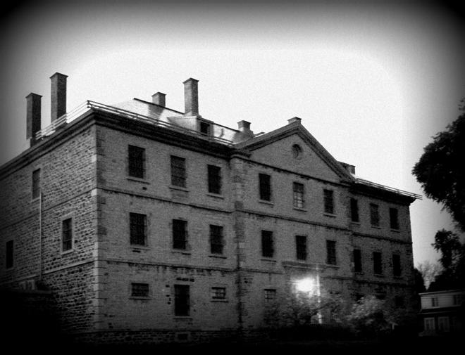 Résultats de recherche d'images pour «prison trois riviere halloween»