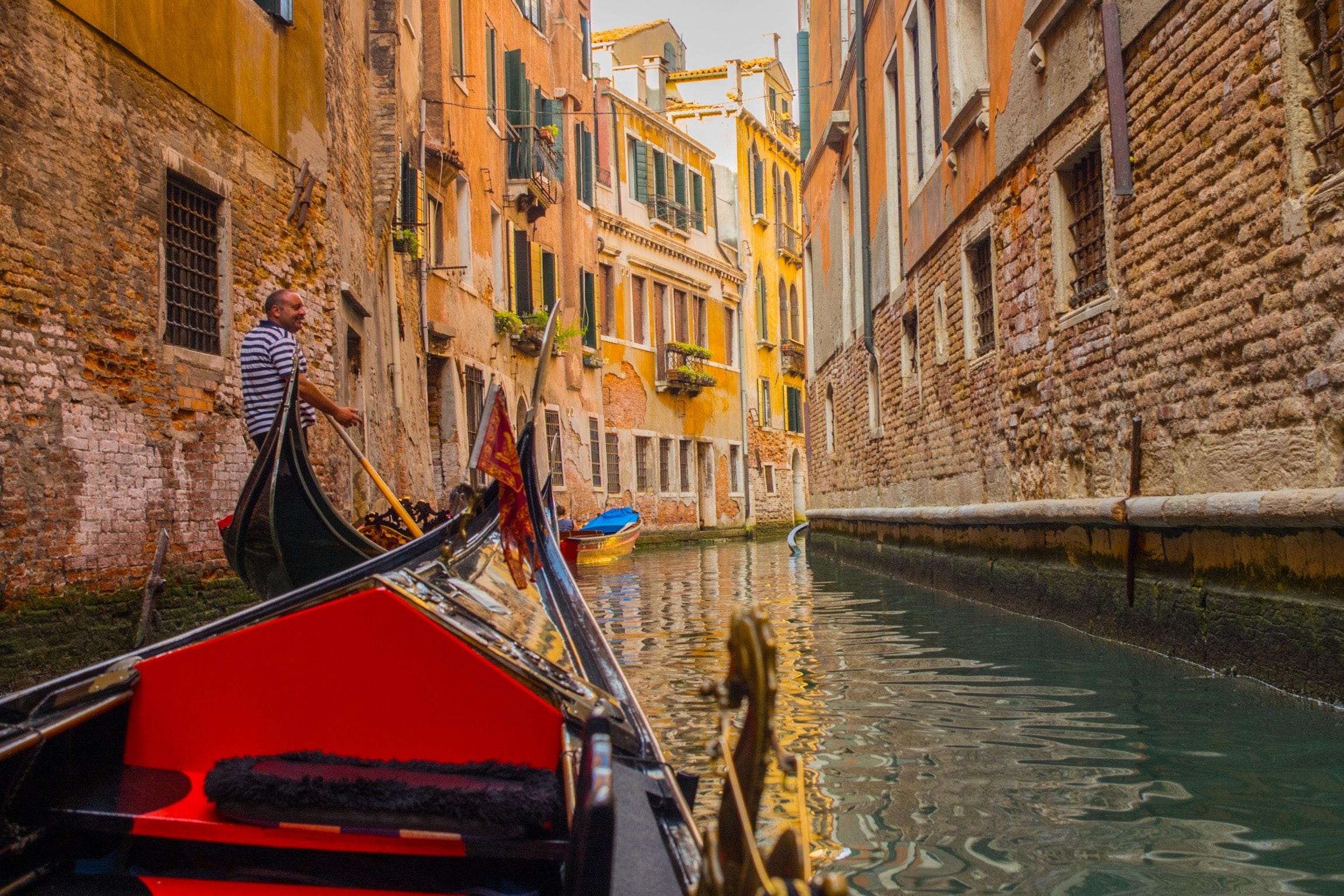Venice in January - frame