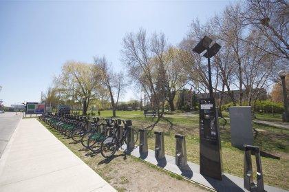 Outdoor Park & BIXI Bike Program At Your Door Step.