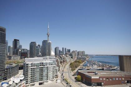Stunning Roof Top Outdoor BBQ's & Tanning Deck Overlooking Toronto's Harbourfront & C.N. Tower.