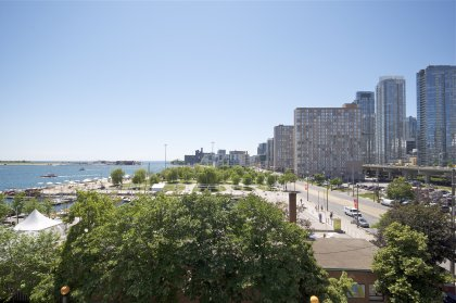 Stunning Unobstructed Lake & Island Views Overlooking The HTO Beach & Rogers Centre With Picturesque Sunsets.