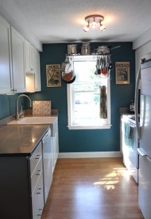 Fully Updated Kitchen W/ New Appliances (dishwasher, Fridge, Garbage  Disposal) Quartz ...