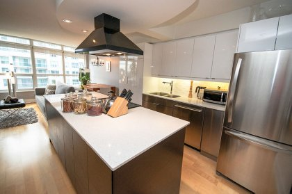 Gorgeous Custom Made Designer Kitchen Cabinetry & Centre Island With New Stainless Steel Appliances, Bottom Mount Refrigerator, Italian Concave-Convex