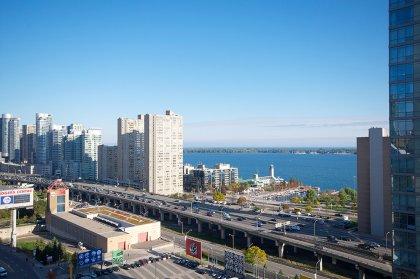Stunning C.N. Tower & Lake Views.
