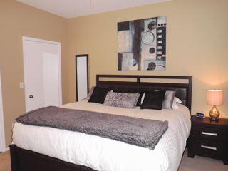 king size deluxe mattress, ceiling fan