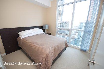 2nd Bedroom Facing Gorgeous C.N. Tower & Lake Views.