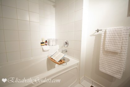 Master Bedroom Spa Like Ensuite With A 4-Piece & Soaker Tub.