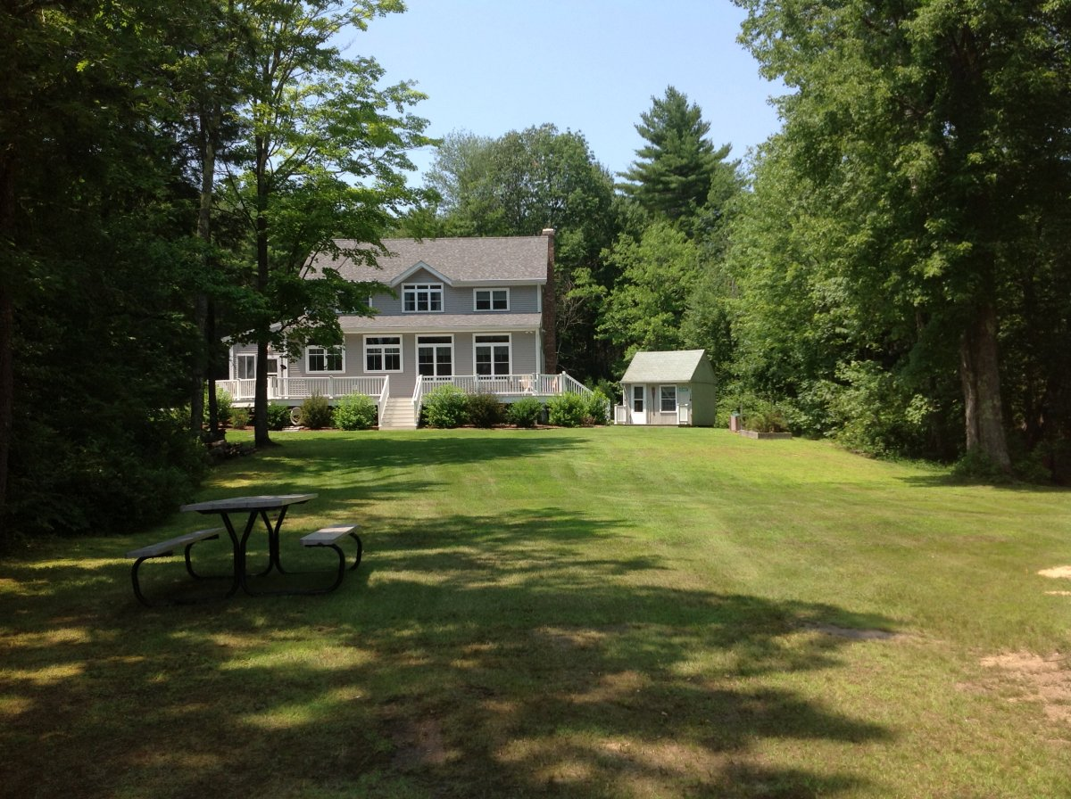 black singles in center barnstead A 3 bed 15 bath listing located at 514 white oak rd center barnstead, nh 03225 this listing in center barnstead is among more than 1 million records featur.