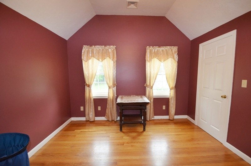 west boylston singles Single-family $275,000 price 6  welcome home to 30 henry street in desirable west boylston follow email save more open house no scheduled open houses.