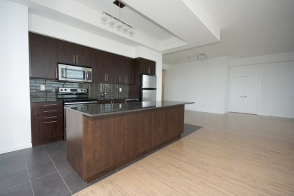 Open Concept Living & Dining Areas With A Gorgeous Gourmet Kitchen For Entertaining.