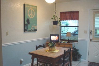Enjoy a quick meal or a leisurely cup of coffee in the breakfast nook area.