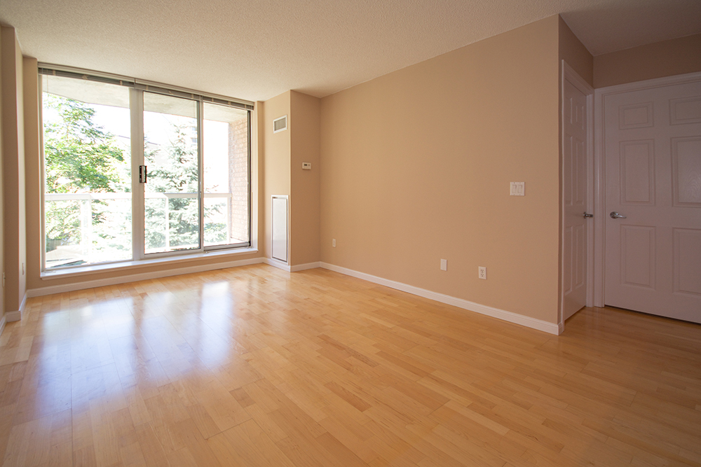 Virtual tour of 330 adelaide street east toronto ontario for Garage flooring adelaide