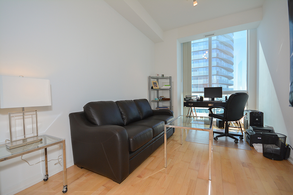 ... A Separate Den / Home Office Or Bedroom With French Doors u0026 Hardwood Flooring Facing C.N. ... & Virtual Tour of 55 Bremner Blvd Toronto Ontario M5J 0A6 - Condo ...