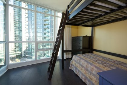 Master Bedroom With A 4-Piece Ensuite, Mirrored Closets, C.N. Tower & Lake Views.