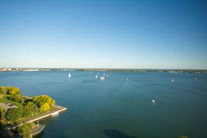 Spectacular Unobstructed Lake Views Onlooking Boats & Planes.