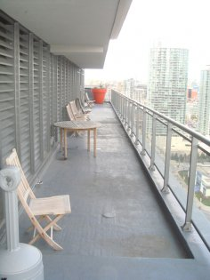 SkyGarden Lounge Including Jacuzzi�s Overlooking Gorgeous C.N. Tower & Lake Views.