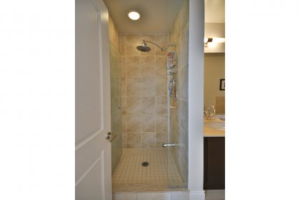 Master Ensuite With A 4-Piece Including Separate Stand-Up Shower.