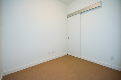 Separate Den Area (Can Also Be Used As A Home Office / 2nd Bedroom) With A Walk-In Closet.