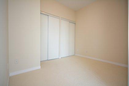 2nd Bedroom With A Sliding Door.