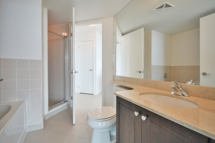 Main Bath & Master Semi Ensuite With A 4-Piece Including A Separate Soaker Tub & Stand-Up Shower.
