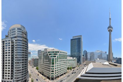 Panoramic City & C.N. Tower Balcony Views.
