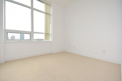 2nd Bedroom With A Large Closet & Large Window.