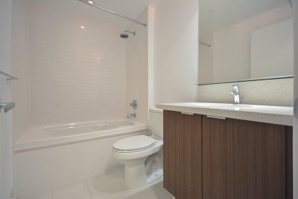 Main Bath With A 4-Piece