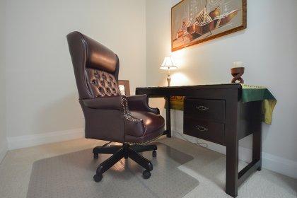 Den / Home Office Area.