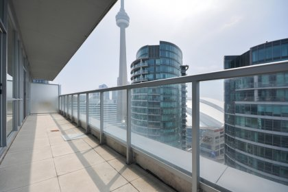 Huge Terrace Facing C.N. Tower Views.