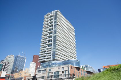 Welcome To The Market Wharf Condominiums at 1 Market Street.