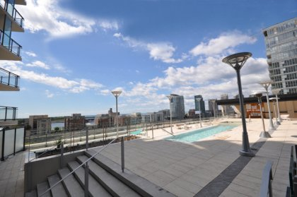 10th Floor Outdoor Rooftop Pool With A Tanning Deck Overlooking Stunning Unobstructed Lake & Park Views.