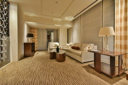 Exclusive Residents-Only 21st & 22nd Floor Sky Lobby Areas