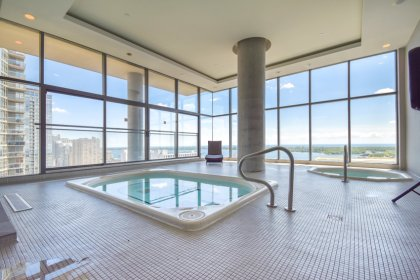 27th Floor Sky Jacuzzi Amenities.