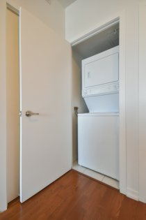 Ensuite Washer/Dryer.