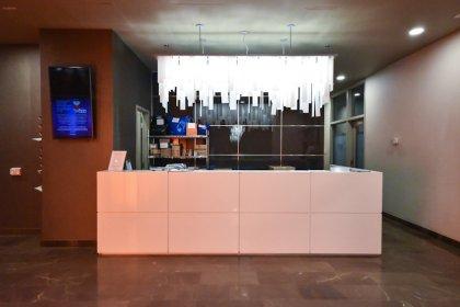 24 Hour Concierge Desk.