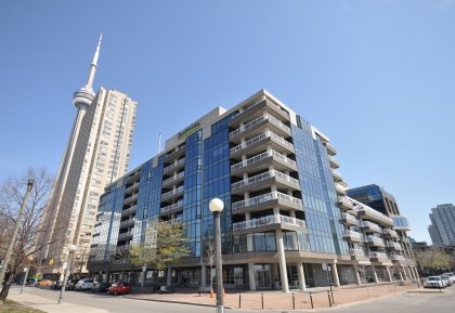 Welcome To The Private Boutique Residences Of The Admiralty Point Condominiums - 251 Queens Quay West.