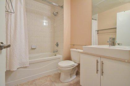 Main Bathroom With A 4-Piece.