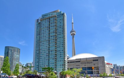 Welcome To The Optima Condominiums At 81 Navy Wharf Court.