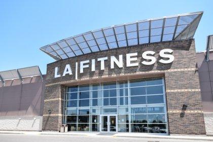 Minutes Walk To L.A. Fitness Gym Club.