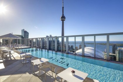 Located On The 44th Floor Hotel Amenities - Enjoy Exclusive & Direct Hotel Access To The Outdoor RoofTop Pool Overlooking Stunning CN Tower Views.