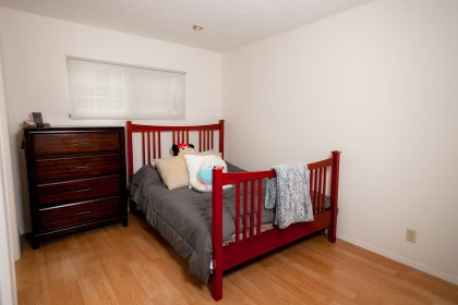 4th bedroom, can be used as a 2nd master bedroom, has its own full bathroom.