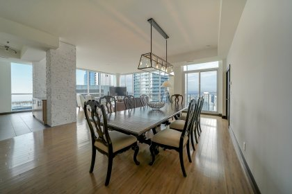 Soaring 10' Floor-To-Ceiling Wrap Around Windows Facing Stunning Unobstructed C.N. Tower & Lake Picturesque Day and Night Views