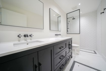 Master Ensuite With A 4-Piece, Double Sinks & A Spa Shower.