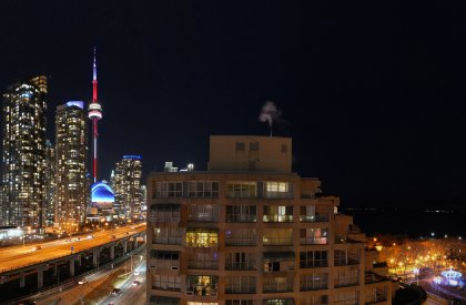 Private East Side Terrace - Enjoy Gardening, Sunbathing, Barbecues, Dinners, Drinks & Family Gatherings Onlooking Spectacular CN Tower & Lake Views.