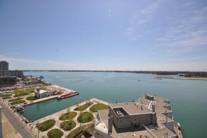 View Of HTO Urban Park & Center Island.