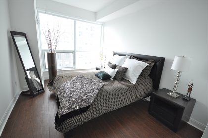 Spacious Master Bedroom With Hardwood Flooring, 4 Piece Ensuite & Walk-In Closet.