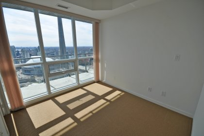 Spacious Sized Master Bedroom With 4-Piece Ensuite, Walk-In Closet Facind CN Tower & Lake Views.
