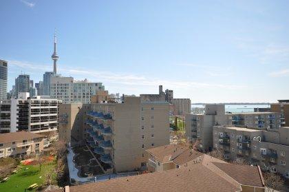 CN Tower & Lake Views.