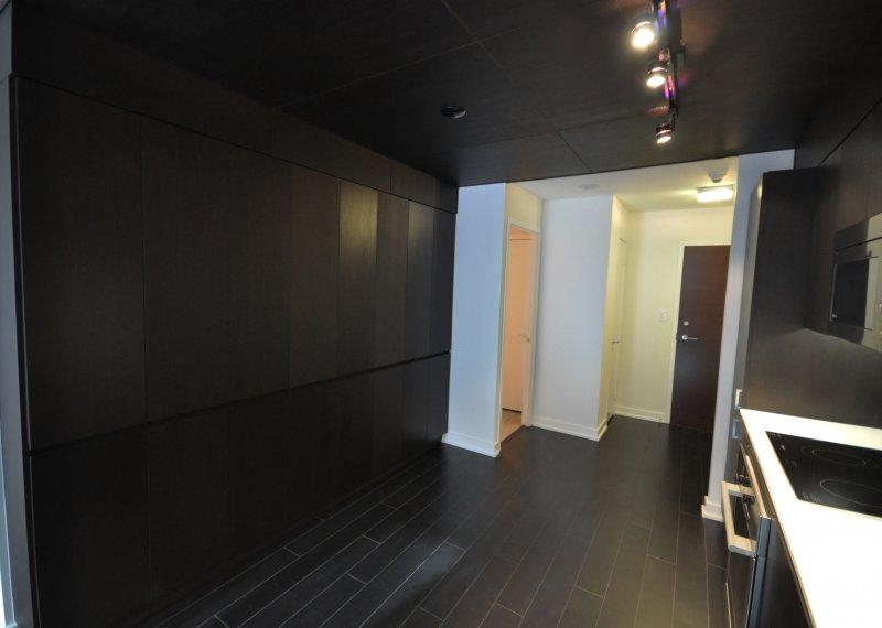 How To Hide Top Loading Washer And Dryer >> Virtual Tour of 10 Capreol Crt, Toronto, Ontario M5V 3V5 - Condo - TourVista