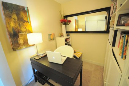 Spacious Home Office / Den Area.